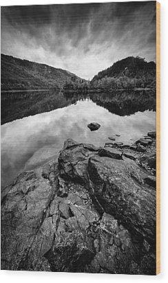 Loch Beinn A Mheadhoin Wood Print by Dave Bowman