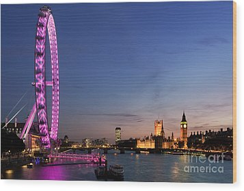 London Eye Wood Print by Rod McLean