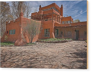 Mabel Dodge Luhan House  Wood Print by Charles Muhle