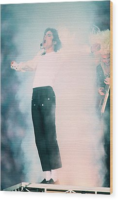 Micheal Jackson Performing On Stage Wood Print by Retro Images Archive