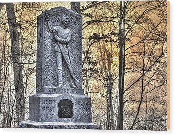 Michigan At Gettysburg - 5th Michigan Infantry Sunrise And Morning Mist In The Rose Woods Wood Print by Michael Mazaika