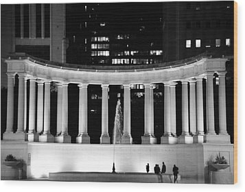 Millennium Monument And Fountain Chicago Wood Print by Christine Till