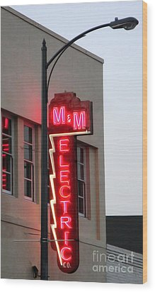 Mm Electric Wood Print by Gregory Dyer