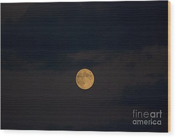 Moon Rising 07 Wood Print by Thomas Woolworth