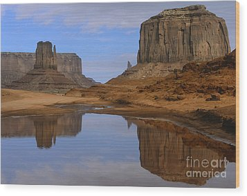Morning Reflections In Monument Valley Wood Print by Sandra Bronstein