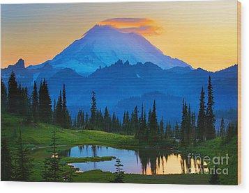 Mount Rainier Goodnight Wood Print by Inge Johnsson