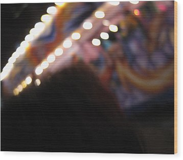 New Orleans - Mardi Gras Parades - 121252 Wood Print by DC Photographer