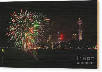 Niagara Falls Fireworks Wood Print by Charline Xia