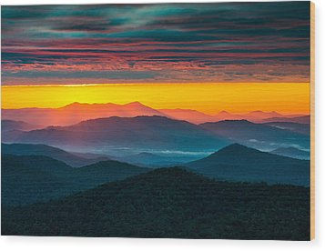 North Carolina Blue Ridge Parkway Morning Majesty Wood Print by Dave Allen