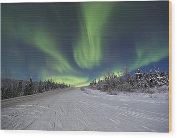Northern Lights Dancing Over The James Wood Print by Lucas Payne