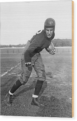 Notre Dame Star Halfback Wood Print by Underwood Archives
