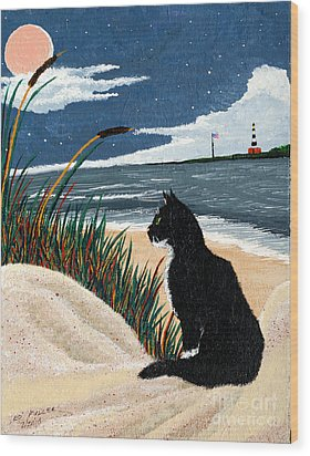 Old Cat And The Sea Wood Print by Edward Fuller