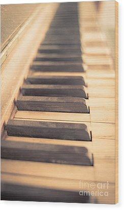 Old Piano Keys Wood Print by Edward Fielding
