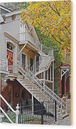 Old Town Chicago Living Wood Print by Christine Till