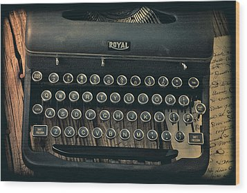 Old Typewriter With Letter Wood Print by Garry Gay