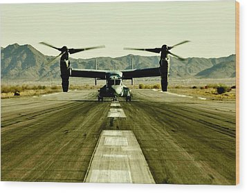 Osprey Takeoff Wood Print by Benjamin Yeager