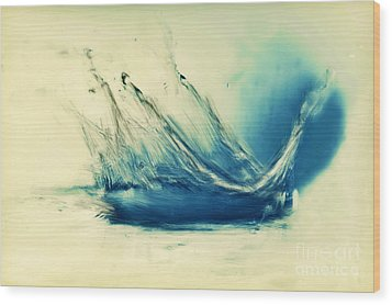 Painting Of Fresh Water Splash Wood Print by Michal Bednarek