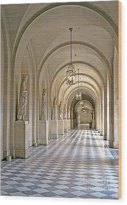 Palace Corridor Wood Print by Ann Horn