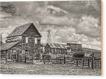 Parker Homestead Wood Print by Ken Smith