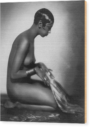 Profile Of Josephine Baker Wood Print by Underwood Archives