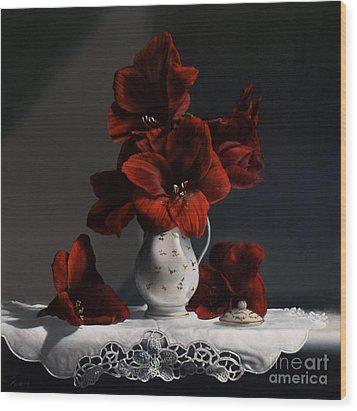 Red Amaryllis  Wood Print by Larry Preston