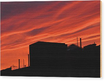 Red Urban Sky Wood Print by Diane Lent