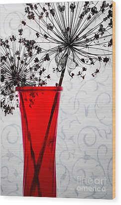 Red Vase With Dried Flowers Wood Print by Michael Arend