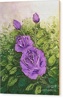 Roses In Lavender Wood Print by Peggy Miller