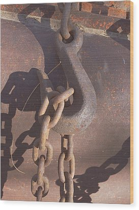 Rusted Hook And Chain Wood Print by Ann Powell