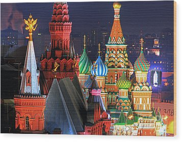 Saint Basils Cathedral On Red Square In Moscow Wood Print by Lars Ruecker