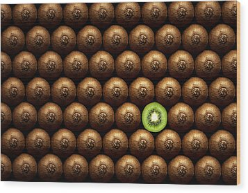 Sliced Kiwi Between Group Wood Print by Johan Swanepoel