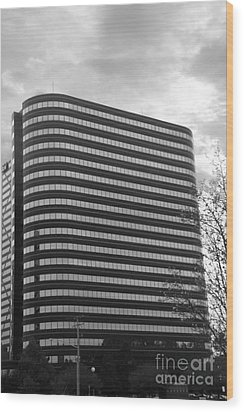 Soutfield Round Hi Rise Black And White Wood Print by Bill Woodstock