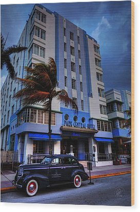 South Beach - Park Central Hotel 001 Wood Print by Lance Vaughn