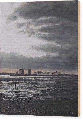 Southampton Docks From Weston Shore Winter Sunset Wood Print by Martin Davey