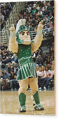 Sparty At Basketball Game  Wood Print by John McGraw