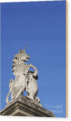 Statue Of A Unicorn On The Walls Of Buckingham Palace In London England Wood Print by Robert Preston