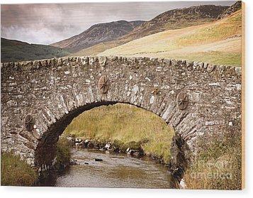 Stone Bridge Highlands  Wood Print by Jane Rix