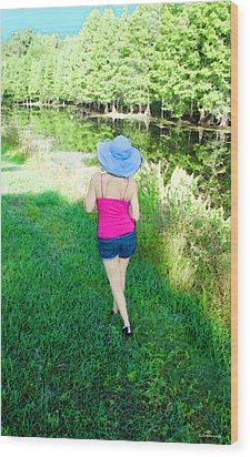 Summer Stroll In The Park - Art By Sharon Cummings Wood Print by Sharon Cummings