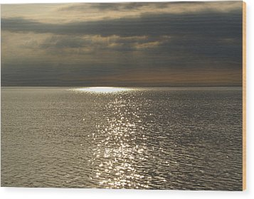 Sun Rays And Reflections In The Sea Wood Print by Gynt