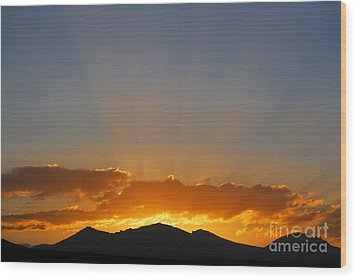 Sunrise Over Mountains Wood Print by Robert Preston