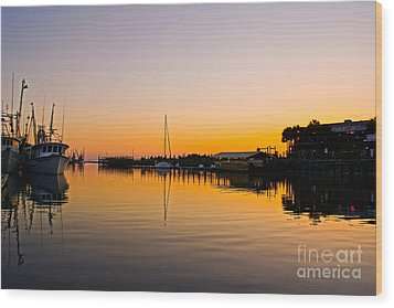 Sunset At Shem Creek Wood Print by Matthew Trudeau
