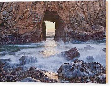 Sunset On Arch Rock In Pfeiffer Beach Big Sur California. Wood Print by Jamie Pham