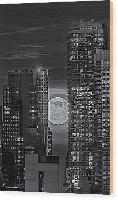 Super Moon Rises Over The Big Apple Bw Wood Print by Susan Candelario