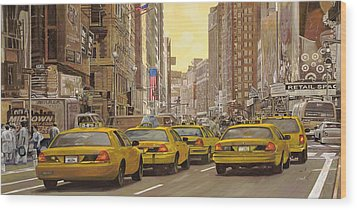 taxi a New York Wood Print by Guido Borelli