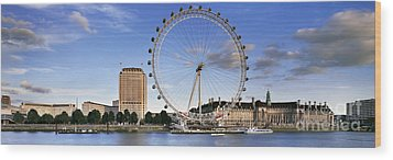 The London Eye Wood Print by Rod McLean