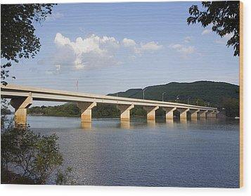 The New Arch Street Bridge Wood Print by Gene Walls