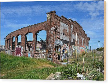 The Old Train Roundhouse At Bayshore Near San Francisco And The Cow Palace Wood Print by Jim Fitzpatrick
