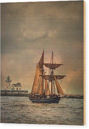 The Playfair Wood Print by Dale Kincaid