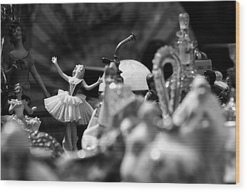 Tiny Dancer Wood Print by Marco Oliveira