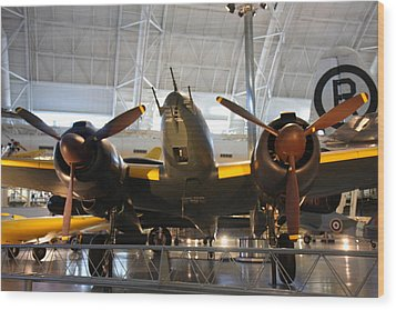 Udvar-hazy Center - Smithsonian National Air And Space Museum Annex - 121285 Wood Print by DC Photographer